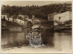 An old photograph of Salvador Dali's House-Museum in Portlligat, where you can see the surroundings of the house and the sea.