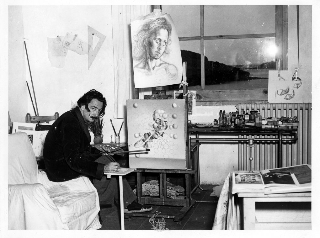 biography of salvador dali - imdb mini biography by:  a panel declared that salvador dali had designed the tarot cards in let live and let die.