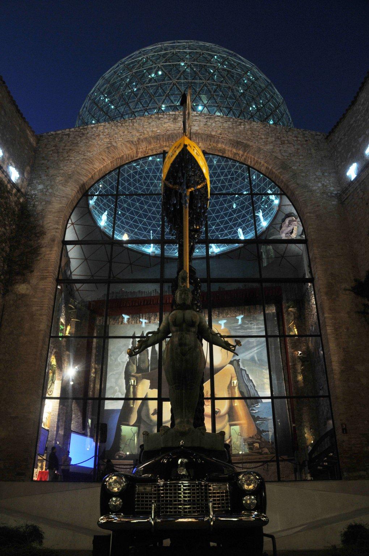 Dalí Theatre-Museum by Night  Gala - Salvador Dali Foundation