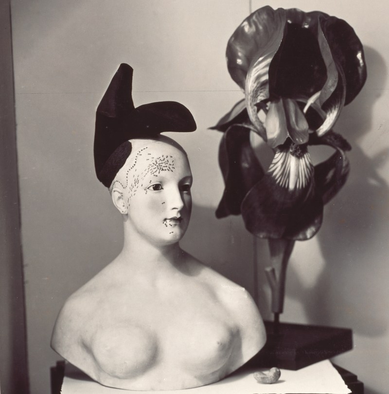 Untitled. «Retrospective Bust of a Woman» version with the «Shoe Hat» by Elsa Schiaparelli and Salvador Dalí